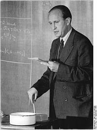 Bundesarchiv Bild 183-33149-0001, Leipzig, Universität, Professor Turan.jpg