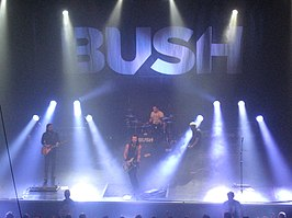 Bush live in de 013 op 16 november 2011.