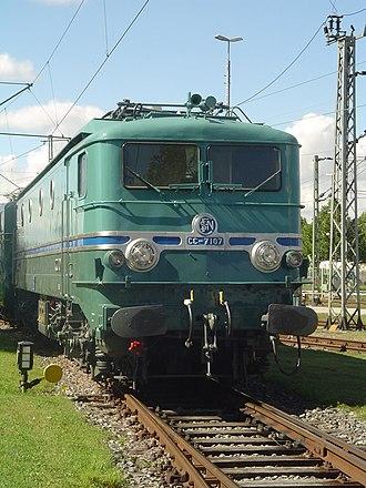 1955 in rail transport - Record-breaking SNCF 7107