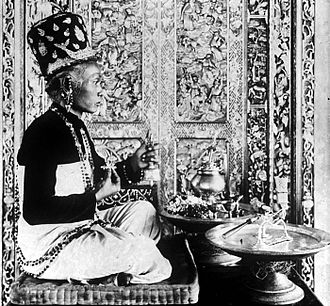Brahmin - Among the Hindus of Bali, Indonesia, Brahmins are called Pedandas. The role of Brahmin priests, called Sulinggih, has been open to both genders since medieval times. A Hindu Brahmin priestess is shown above.