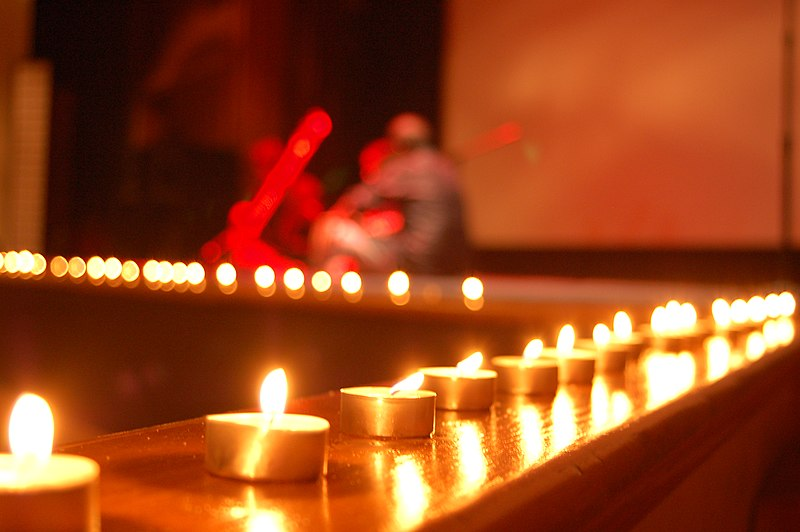 File:Candle decorations for Diwali.jpg