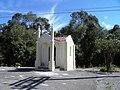 Capela na entrada de São Tiago. - panoramio.jpg