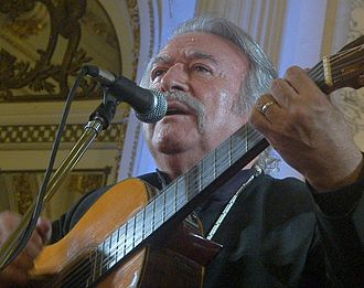 César Isella - César Isella sings in the Salón Blanco of the Casa Rosada, 2008