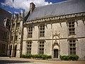 Châteaudun - château, aile Longueville (04).jpg