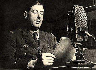 Charles de Gaulle au micro de la BBC.jpg