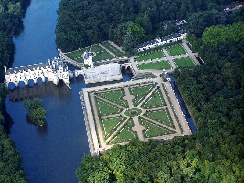 File:Chateau de Chenonceau,vue d'avion..JPG