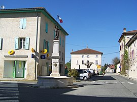 The village centre of Chatte