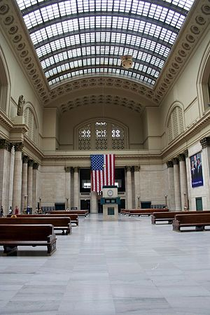 The main waiting hall at Chicago's Union Station