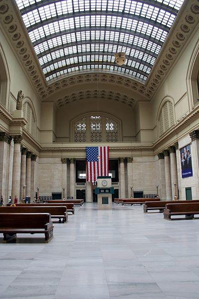 File:Chicago Union Station waiting hall.jpg