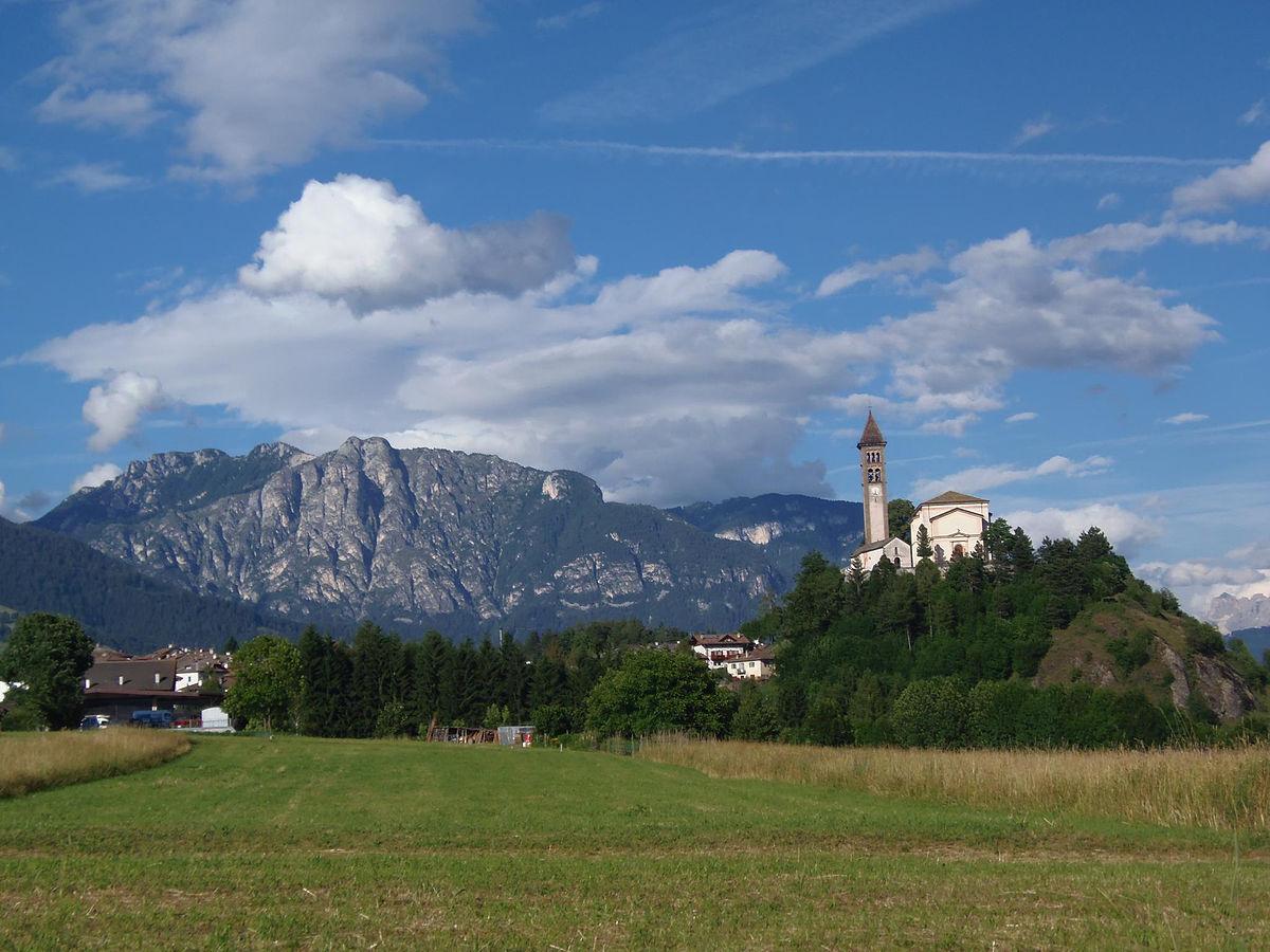 Castello molina di fiemme wikipedia - Immagini di giardini di villette ...