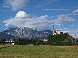 Chiesa di Castello di Fiemme 2012.jpg