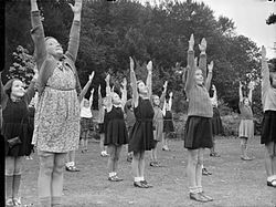 Chipstead Council School- Education and Communal Feeding, Chipstead, Surrey, 1942 D11025.jpg