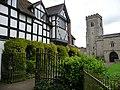 Churchyard gates, Much Wenlock - geograph.org.uk - 1652339.jpg