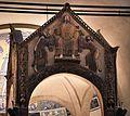 Ciborio di sant'ambrogio, con stucchi del IX secolo, consegna delle chiavi a s. pietro e del libro della sapienza a s. paolo 02.jpg