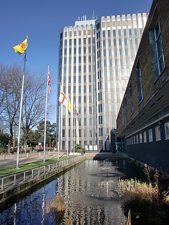 Enfield London Borough Council - Image: Civic Centre, Silver Street, Enfield geograph.org.uk 1691861