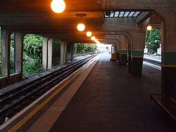 Cockfosters station platform 4 look westbound
