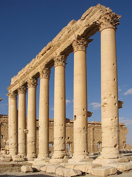 File:Columns in the inner court of the Bel Temple Palmyra Syria.JPG