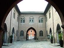 Il cortile interno del municipio di Fidenza