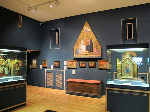 Most of the Gambier-Parry items on display at the Courtauld Gallery are in this room on the ground floor. Courtauld galleries, prima sala.JPG