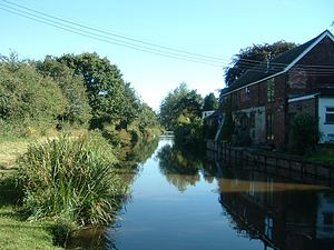 Coventry Canal - Image: Coventry canal nr Fradley