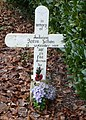 Cross in Boughton graveyard - geograph.org.uk - 663040.jpg