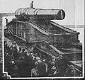 Crowds in New York watch the shipment of the 16 inch Coastal Defense Gun M1895 January 1915.jpg
