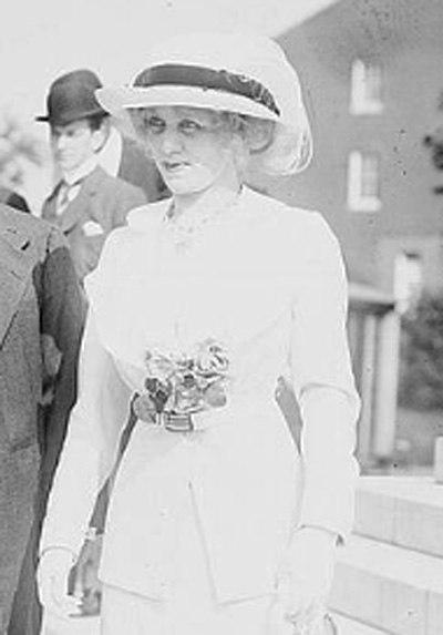 Dame Flora Reid circa 1910