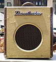 "Danelectro Nifty Seventy (N70) bass combo amp (8"" 15W RMS).jpg"