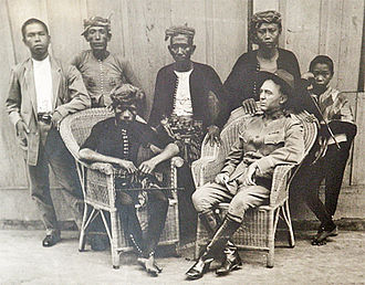 Sultanate of Sulu - Image: Datu Amil with Captain W.O. Reed