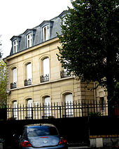 exterior of large Parisian house