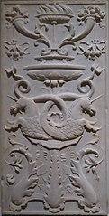 Reliefplatte mit Kandelaber