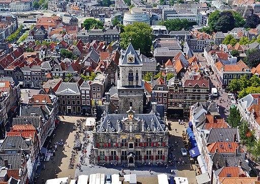 Delft Stadhuis (Blick von der Nieuwe Kerk) 1