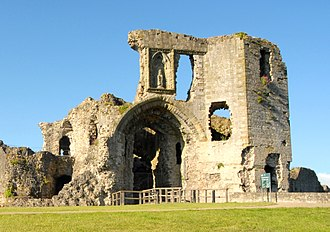 Denbigh Castle and town walls - The exterior of the castle's gatehouse, showing the Porter's Lodge Tower (left) and the Prison Tower (right)