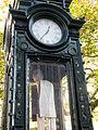 Der Klappmann, 1996 von der Bildhauerin Ulrike Enders geschaffen, ausgestellt 2012 in der Kröpcke-Uhr in Hannover.jpg