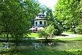 Domek Chiński – zabytkowa altana położona w żywieckim parku, wybudowana w drugiej połowie XVIII wieku przez Wielopolskich. - panoramio.jpg