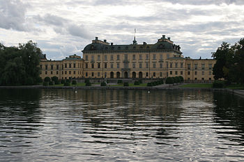 Drottningholm castle viewed from east 2005-08-14.jpg