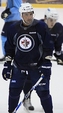 Description de l'image  Dustin Byfuglien Winnipeg Jets Training Camp.jpg.