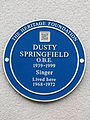 Dusty Springfield OBE 1939-1999 singer lived here 1968-1972.jpg