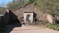 El Tiradito shrine (Tucson, Arizona) 2.JPG