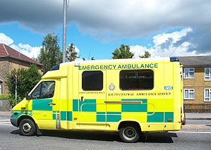 Battenburg markings - An ambulance in the UK with Battenburg markings