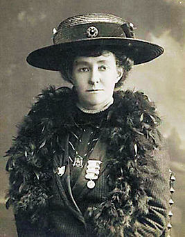 https://upload.wikimedia.org/wikipedia/commons/thumb/a/ac/Emily_Davison_portrait.jpg/267px-Emily_Davison_portrait.jpg