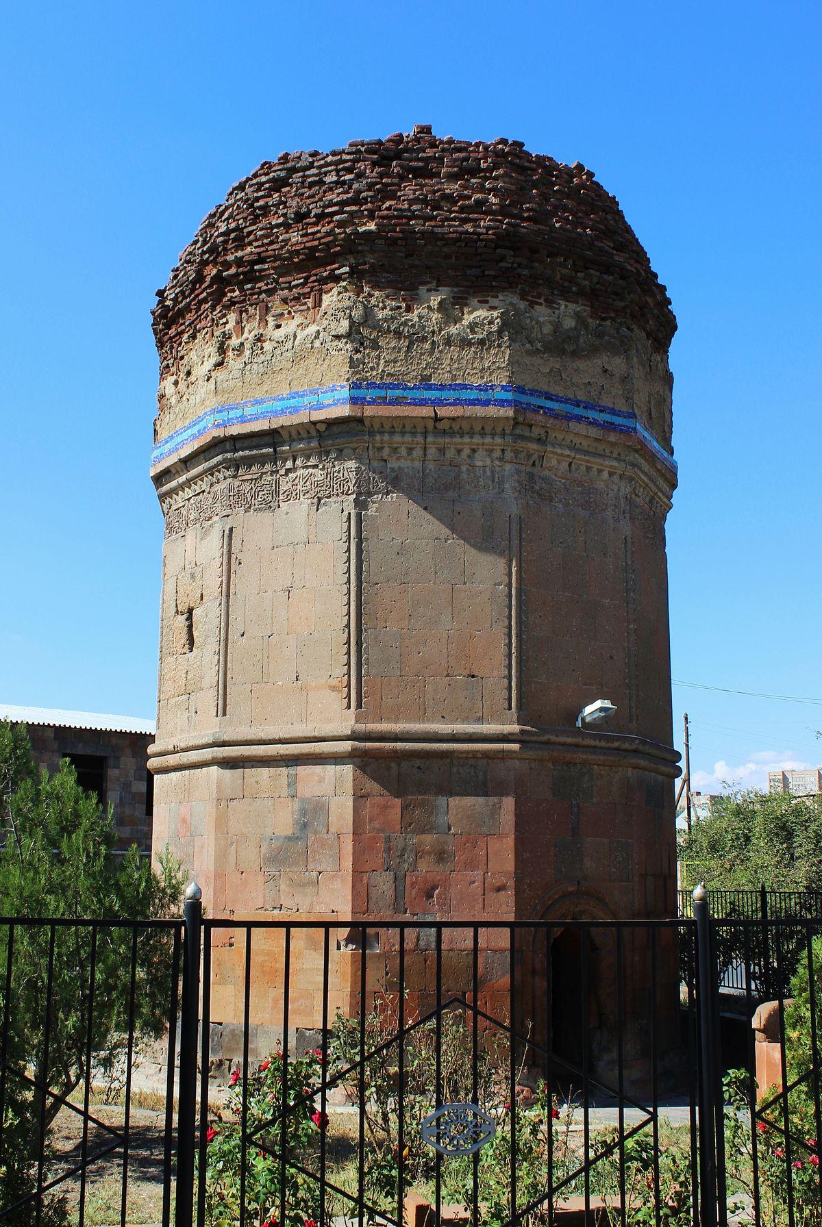 Mausoleum of Kara Koyunlu emirs - Wikipedia