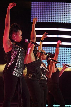 Essence Music Festival - En Vogue performing on the main stage at the Essence Music Festival