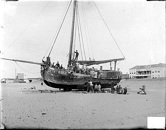 Katwijk aan Zee - Ship at the beach of Katwijk, ca. 1900. Picture by Jan Goedeljee.