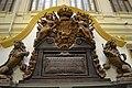 Escudo de armas de la monarquía española que coronaba la Puerta del Mar del Caño de San Fernando del Arsenal de la Carraca. Museo Naval de Madrid.jpg