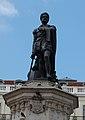 Estátua na Praça Luís de Camões.jpg
