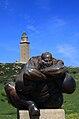 Estatua e Torre de Hércules.jpg