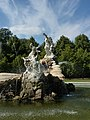 Exhuberent Fountain at Cliveden - panoramio.jpg