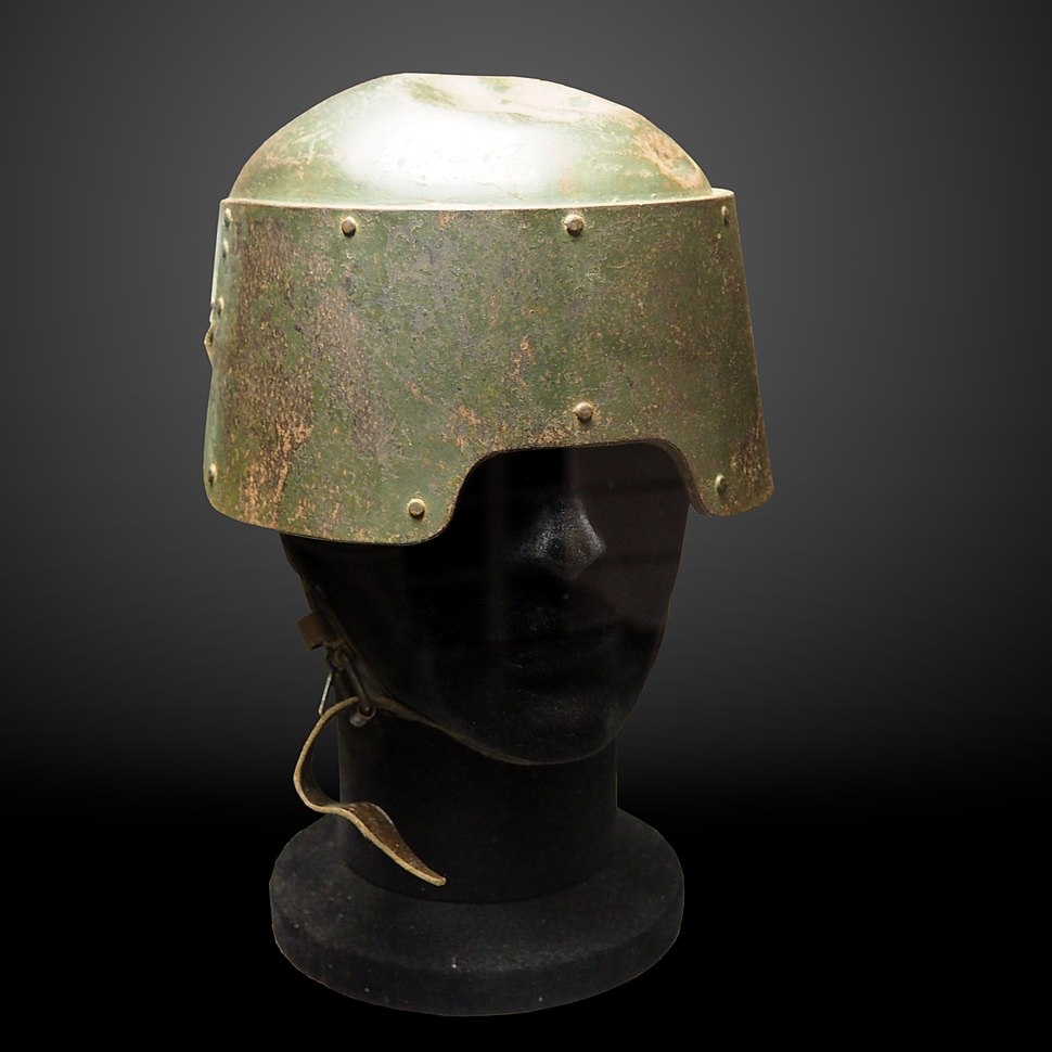 Farina helmet for Arditi troops-Morges Inv 1010178-P5120275-gradient