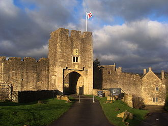 Farleigh Hungerford Castle - Image: Farleigh Hungerford East Gate